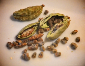 seeds from cardamom pods